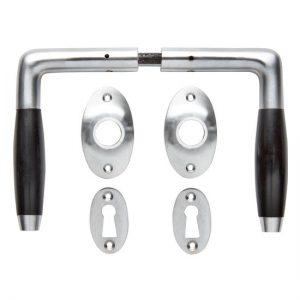 Deurklink set - Klassiek mat geborsteld nikkel met ovale sleutelrozetten